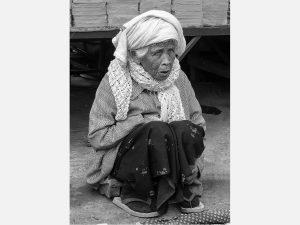 Seated Woman (Kyaingtong 2014)
